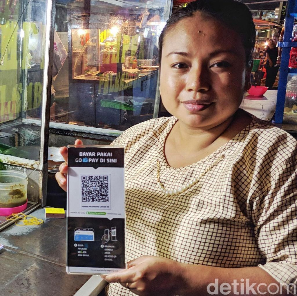 Pembayaran QR Code Go-Jek Rambah Warung Kaki Lima