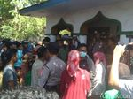 Warga Probolinggo Penuhi Jalan demi Saksikan Sumpah Pocong