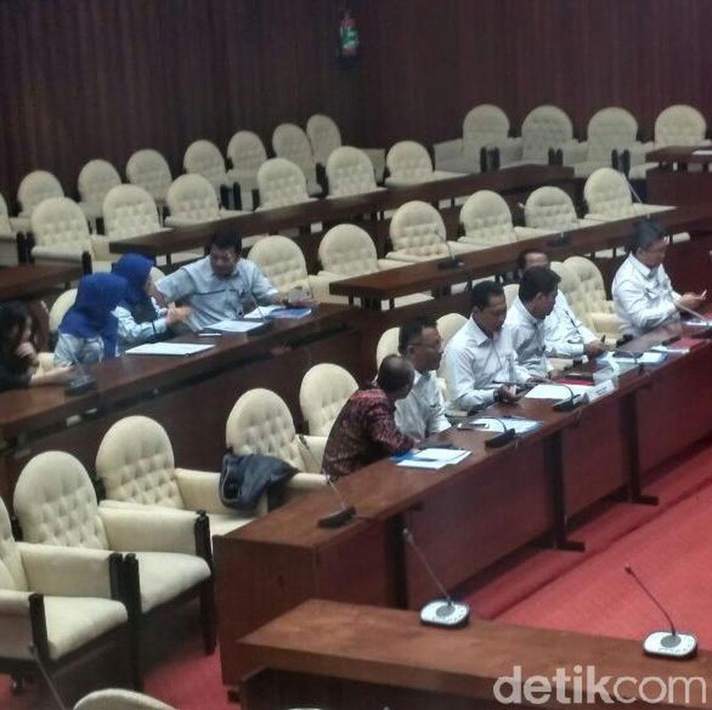 Rapat Bareng Buwas, Komisi IV DPR: Semoga Bulog Ditakuti Mafia