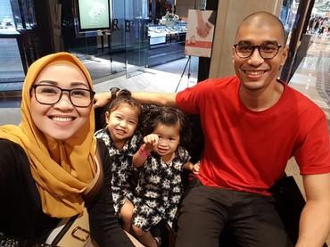 The Adhams, begitu sebutan keluarga kecil Alya dan Kiya, Bun. (Foto: Instagram @hada9)