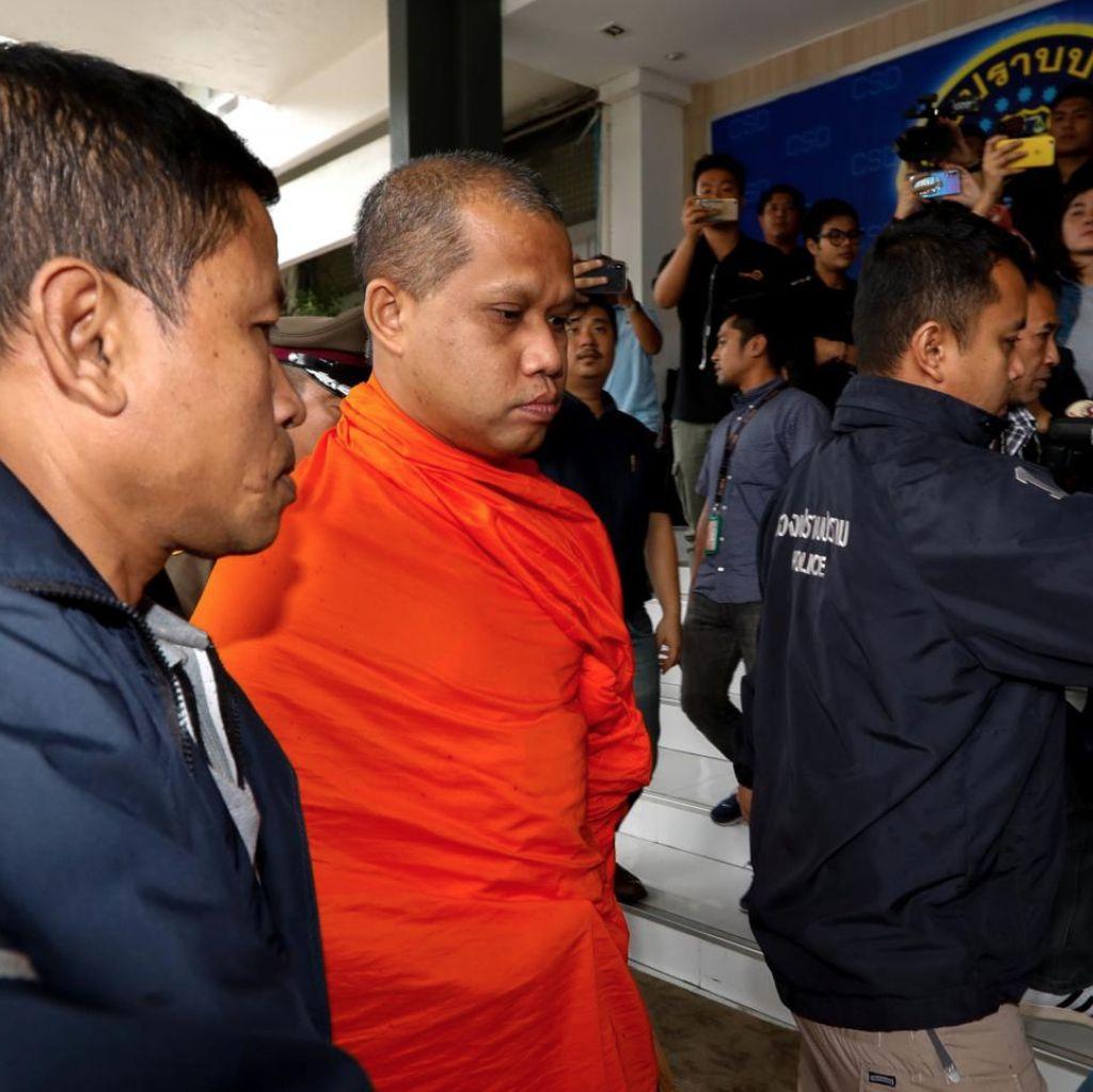 Skandal Uang Kuil, Sejumlah Biksu Ditangkap di Thailand
