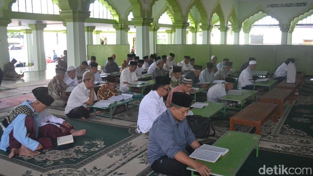 Menengok Tradisi Semaan Alquran Di Masjid Kauman Magelang