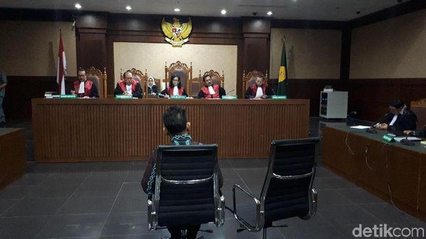 Sidang dakwaan  Bupati Hulu Sungai Tengah (HST), Kalimantan Selatan Abdul Latif di Pengadilan Tipikor, Kamis (24/5/2018