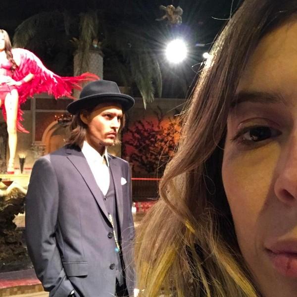 Di New York, Dalma juga berkunjung ke Museum Madame Tussauds. Gadis berusia 31 tahun ini bahkan selfie dengan Jhonny Depp. (Dalma Maradona/Instagram)