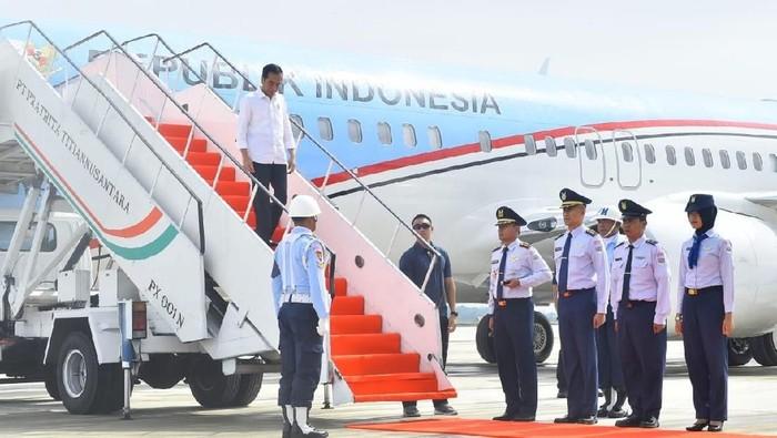 Water Salute Pesawat Kepresidenan di Bandara Kertajati