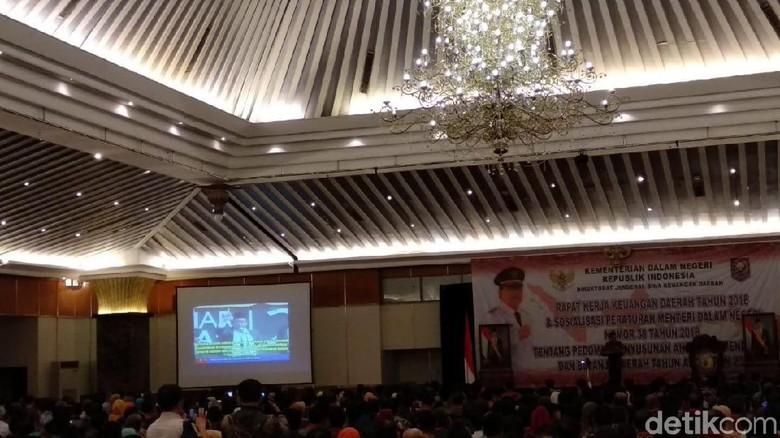 Bahas Ormas, Mendagri Putar Video HTI di Depan Sekda-Ketua DPRD