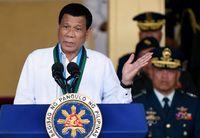 Presiden Filipina Dikritik karena Pakai Dasi Tak Rapi saat Bertemu PM Rusia