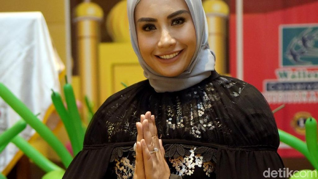 Ini Alasan Shinta Bachir Ngebet Nikah dengan Duda 3 Anak