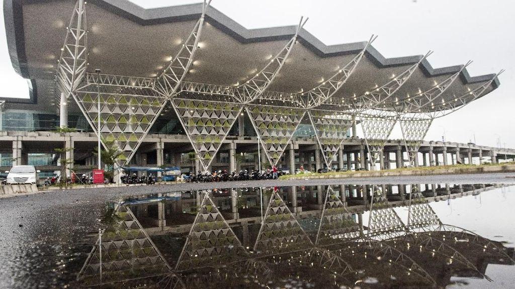 Bandara Kertajati Masih Sepi, Menhub dan Kang Emil Putar Otak