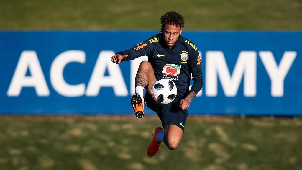 Neymar Panaskan Mesin bersama Timnas Brasil