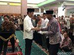 Jokowi Bagi 240 Sertifikat Wakaf Masjid dan Musala Majalengka
