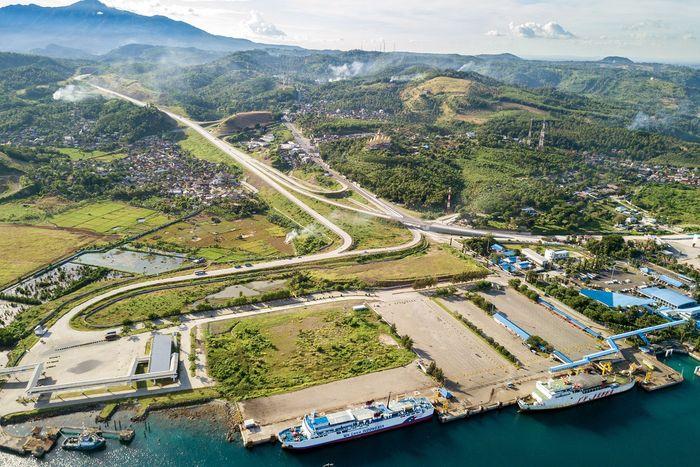 Seksi 1 dari Pelabuhan Bakauheni-Simpang Susun Bakauheni sepanjang 8,90 km dan seksi 5 dari Simpang Susun Lematang—Simpang Susun Kota Baru sepanjang 5,64 km sudah beroperasi sejak akhir Januari lalu. Dok. Bina Marga.