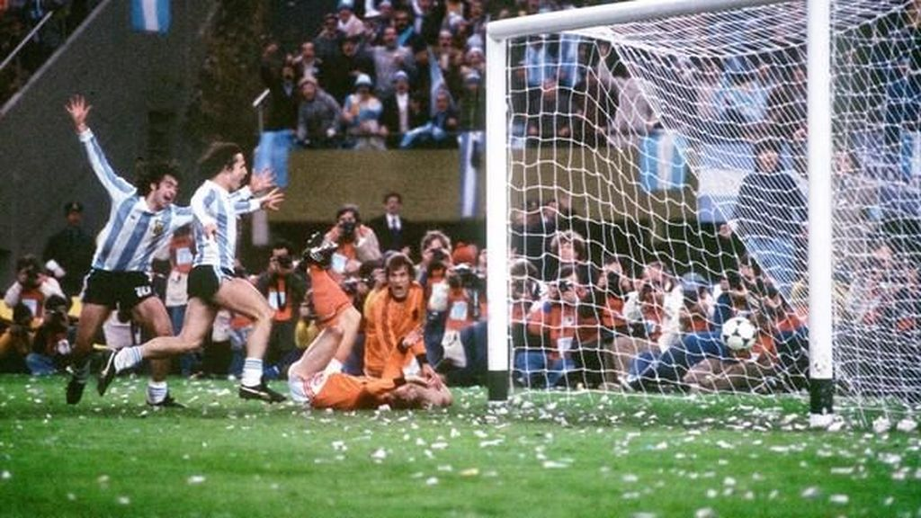 Tentang Ban Hitam di Tiang-tiang Gawang Piala Dunia 1978