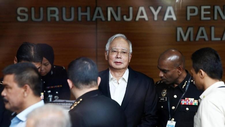 Skandal 1MDB, Najib Ditinggal Tim Pengacaranya
