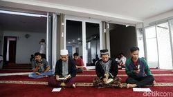 Tata Cara Itikaf, Niat, dan Amalan agar Dapat Malam Lailatul Qadar