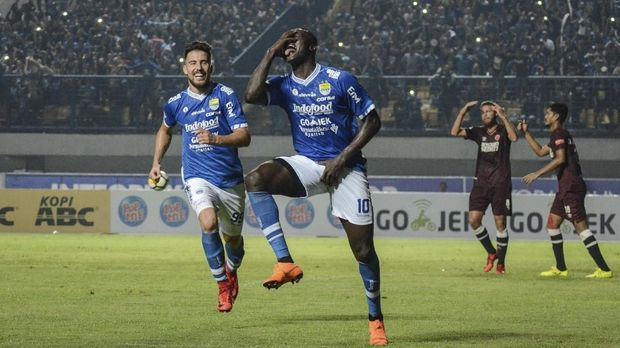 Persib Bandung masih memuncaki klasemen Liga 1 2018.