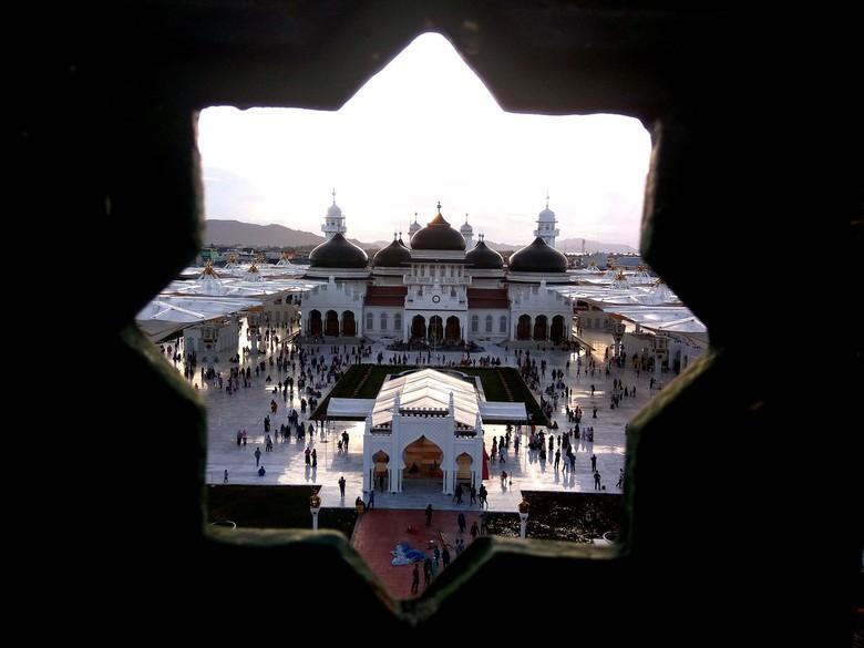 Masjid Baiturrahman: Berdiri 1612, Dibakar Belanda, Jadi Ikon Aceh