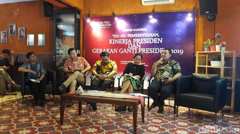 PD: Orang Mulai Jera dengan Jokowi tapi Tak Mau Pilih Prabowo