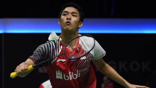 Jonathan Christie membalikkan kedudukan menjadi 2-1 untuk Indonesia.