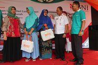 BNI menyalurkan 6.000 paket sembako murah kepada keluarga Pekerja Migran Indonesia (PMI) / dok. BNI