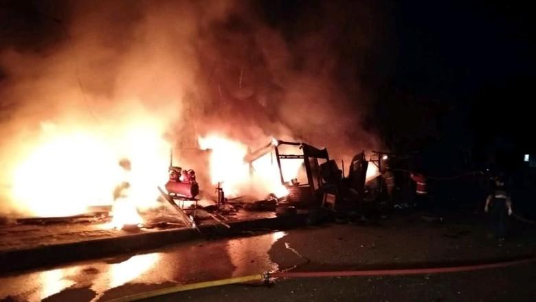 Bengkel Motor di Bogor Terbakar Akibat Spiritus Tumpah