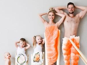 Keren dan Unik! Foto Keluarga Ini Dibuat dengan Konsep Sushi hingga Keju