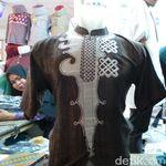 Baju Koko Black Panther di Tanah Abang Buatan Lokal Lho