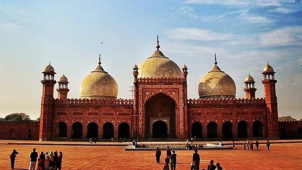 Ini Dia Masjid Terbesar Dunia Selama 313 Tahun