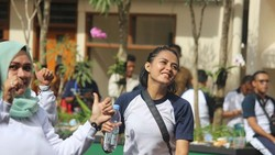 Nama Bripda Ismi Aisyah viral ketika fotonya yang tengah bertugas beredar di media sosial. Tak banyak yang tahu bahwa ia juga berolahraga lho.