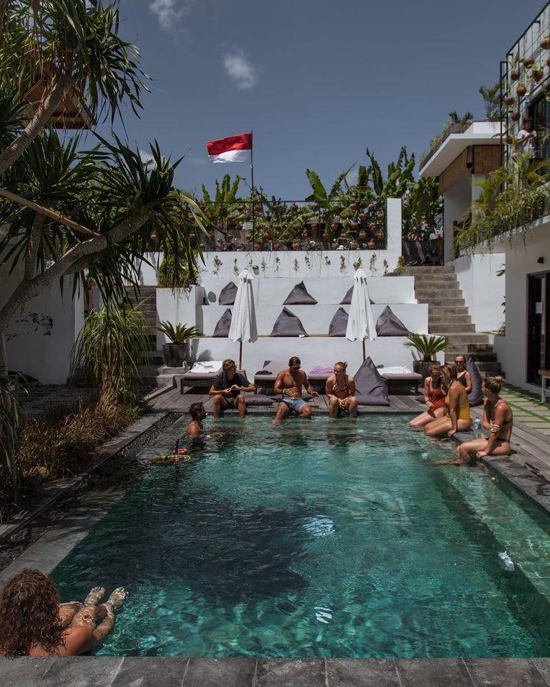 The Farm Hostel di Canggu, Bali, menempati peringkat pertama dalam daftar 10 Hostel Paling Instagramable di dunia. Lokasinya berada di Jalan Pantai Batu Bolong #29H yang tengah hip di Bali(@thefarmhostel/Instagram)