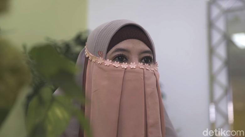 Peggy Melati Sukma Kini Khadija Yakin Doa Ibu Penuntunnya Hijrah
