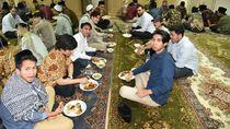 Semangat Puasa, Mahasiswa Indonesia Ramaikan Buka Bersama di KBRI Beirut