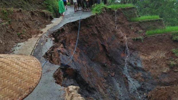 Foto: Longsor di Pekalongan (dok. BNPB)