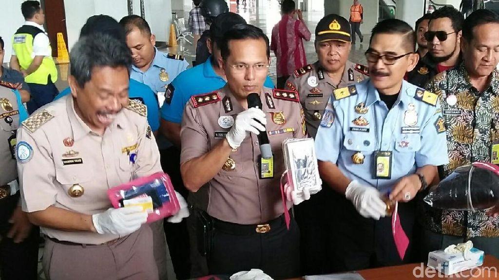 Petugas Bandara Palembang Ditangkap Karena Curi Paket Ponsel