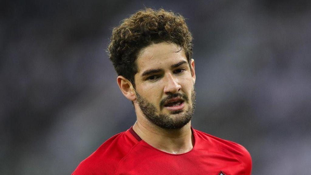 Pato Terus Pelihara Harapan Balik ke Milan