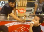 Lucunya Eskpresi Bocah Ini Saat Dikerjai Penjual Es Krim