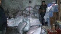 Polisi Gerebek Pabrik Mi Berformalin di Garut
