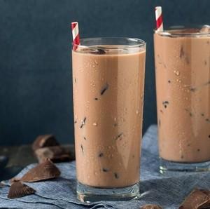 Ngabuburit, Enaknya Bikin Es Cokelat Jelly dengan 4 Langkah Ini!