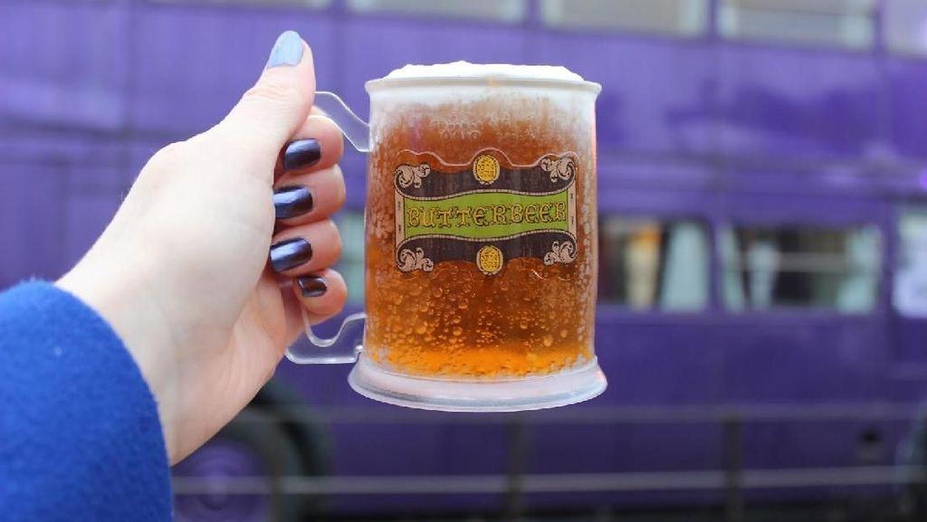 Ada Cupcakes dan Butterbeer Milkshake Khas Harry Potter di Kafe Ini