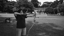 Panahan menjadi olahraga yang mulai banyak digemari, begitu juga deretan artis-artis ini. Yuk lihat aksinya.