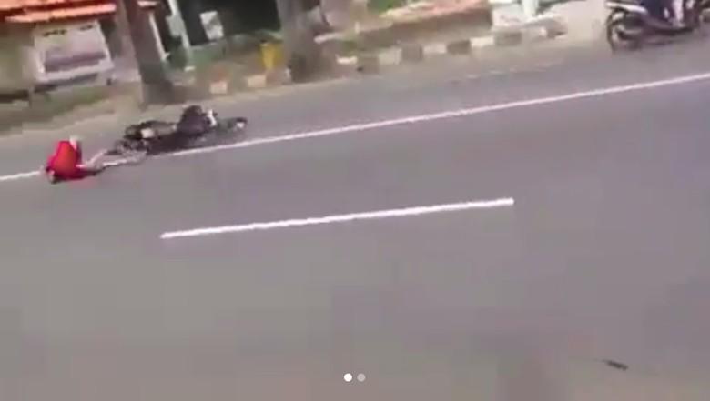 Ngebut untuk Setting Motor Berujung Kecelakaan. Foto: Screenshot Instagram/agoez_bandz