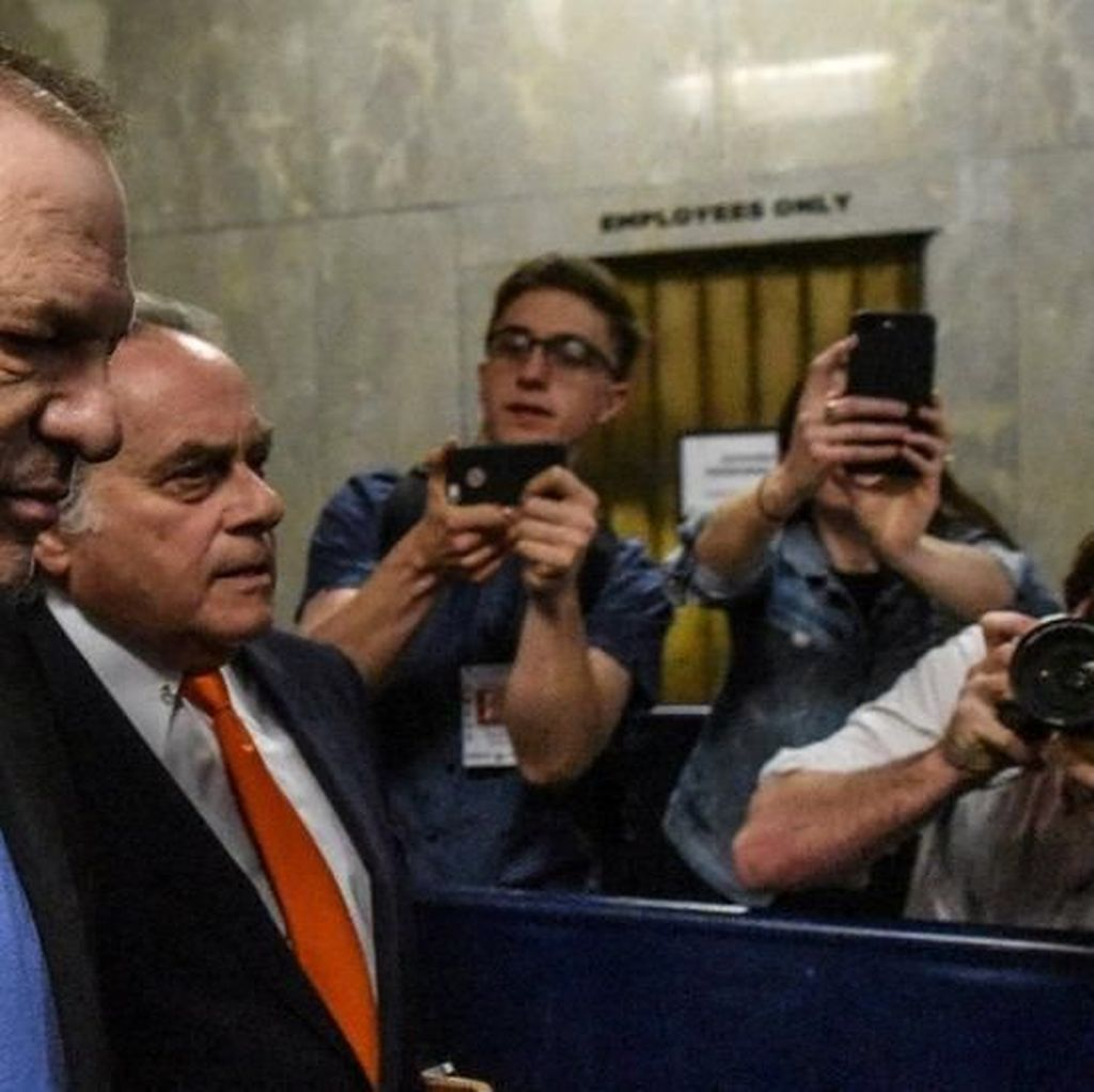 Terjerat Kejahatan Seks, Harvey Weinstein Bebas dengan Jaminan Rp 14 M