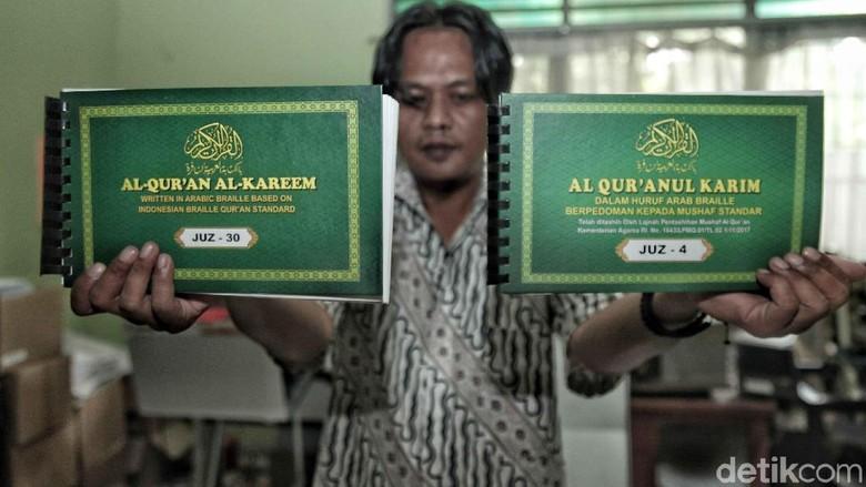 Melihat Percetakan Al Quran Braile