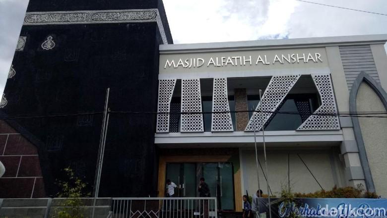 Masjid Kakbah di Makassar untuk mengobati rindu dengan tanah suci (Ibnu Munsir/detikTravel)