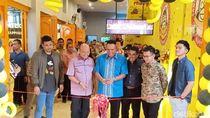 Walikota Medan Hadiri Pembukaan Kedai Rakyat Putra dan Mantu Jokowi