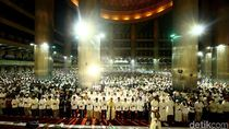 Sholat Tarawih Akbar di Masjid Istiqlal