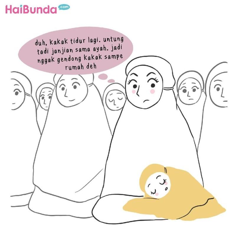Kakak tidur di masjid jadi cerita salat tarawih keluarga bunda di komik ini. Kalau cerita salat tarawih di keluarga Bunda gimana? Share yuk di kolom komentar.