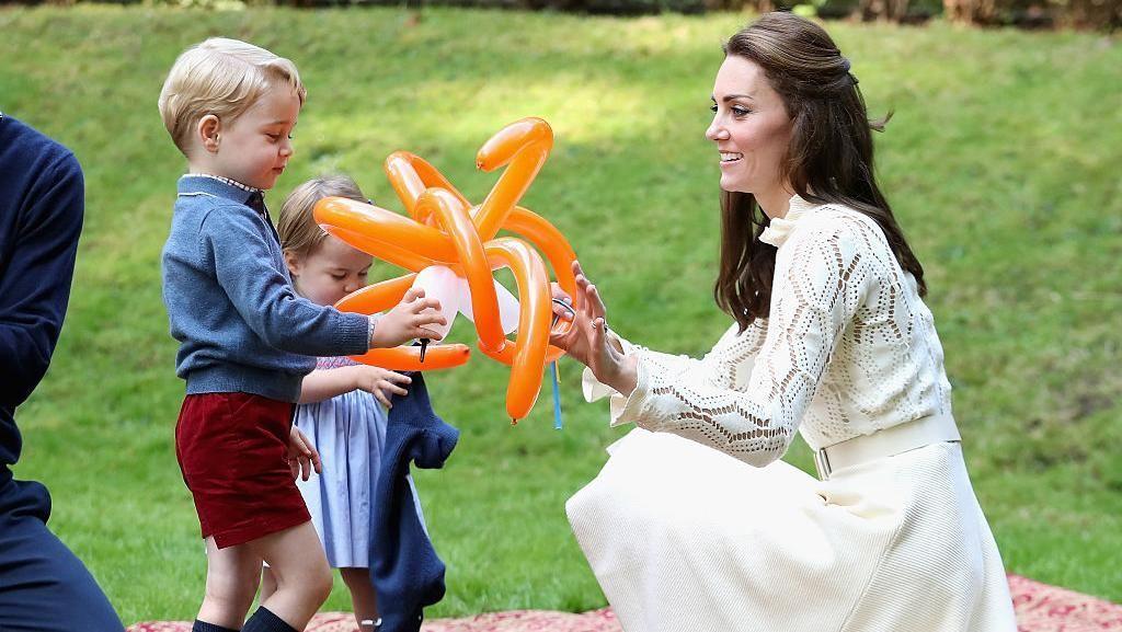 Liburan Sekolah, Pangeran George dan Putri Charlotte Nikmati Staycation