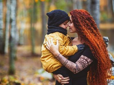 Potret Indah Kasih Sayang Ibu dan Anaknya