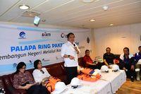 Kunjungan kerja Menkominfo Rudiantara ke proyek Palapa Ring paket tengah.